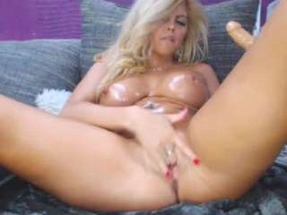xalexax minx with an incredibly wet pussy seducing on camera