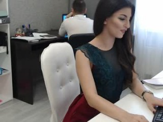 two_trunkx naked getting wetter and wetter for you live on sex chat