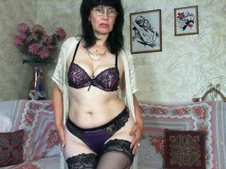 koroleva70 the most beautiful brunette mature cam girl live on sex cam