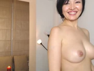 reynasiana bisexual milf cam girl fucking boys and girls live on sex camera