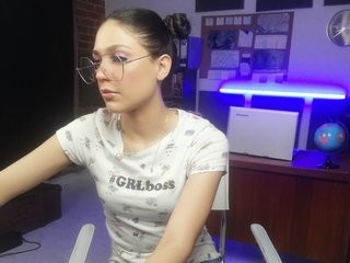 sugartokio young girl who like to show live sex via webcam