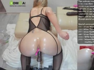 xxxlovers2015 bisexual fucking boys and girls live on sex camera