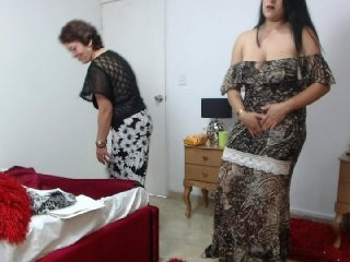 lyaboston mature cam girl couple doing everything you ask them in a sex chat