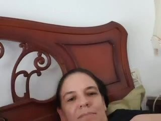 hornysusycoup virtual sex with a horny, completely hot mature cam girl